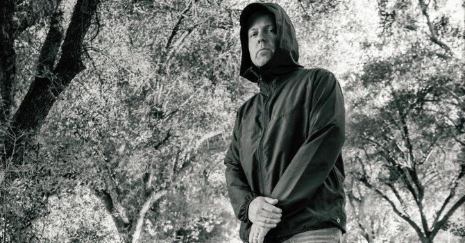 """DJ Shadow zapowiada reedycję płyty """"Endtroducing"""" z okazji 25-lecia jej premiery"""