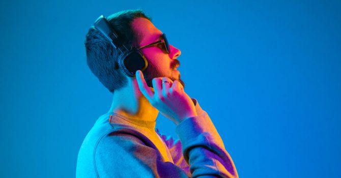 """Bardziej """"zaraźliwa"""" niż odra, czyli muzyka elektroniczna niczym choroba zakaźna"""
