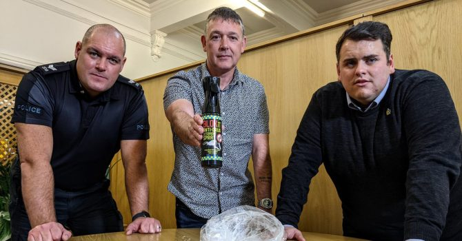Jedyny taki spray w walce z narkotykami. Brytyjskie kluby i puby mogą spać spokojnie?