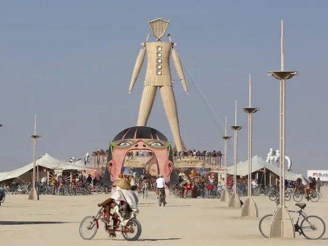 Burning Man wystawia na sprzedaż instalacje i rzeźby