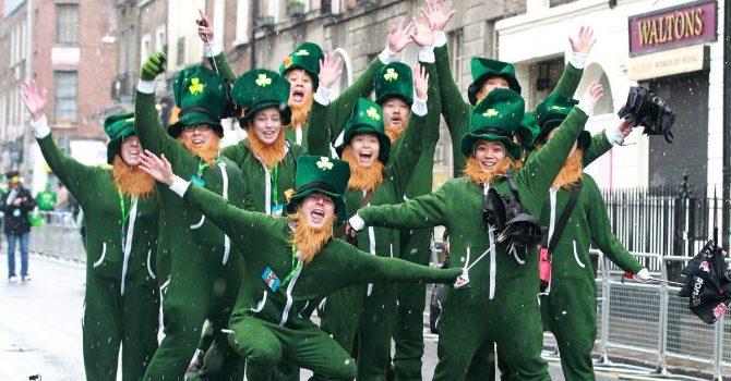 Kluby w Irlandii ponownie otworzyły się w ten weekend. Od teraz mają prawo wpuszczać ludzi bez limitów